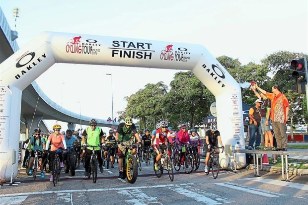 Tee  Johor keen on hosting tourism-related events 56b55afbc